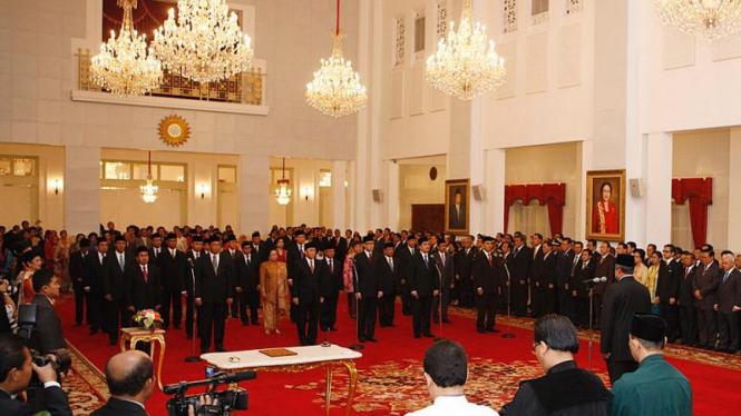 Pelantikan 24 Dubes RI oleh Presiden
