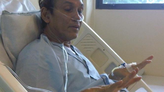 Franky Sahilatua dirawat di Singapura