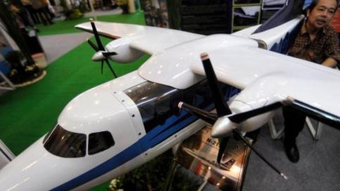 Maket pesawat angkut N91 dari PT Dirgantara Indonesia (PTDI)