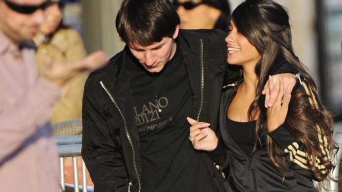 Lionel Messi dan kekasihnya Antonella Rocuzzo
