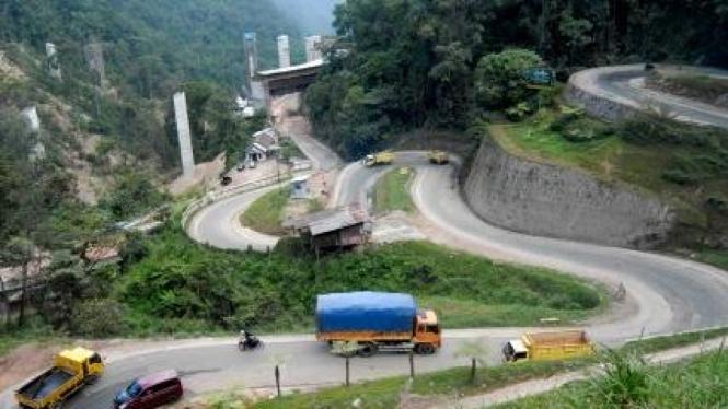Jalan kelok 9 di Payakumbuh, hubungan Sumatera Barat-Riau