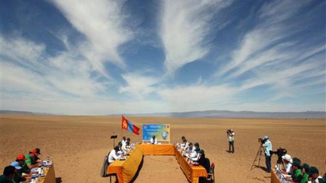 Pemerintah Mongolia gelar rapat kabinet di gurun pasir