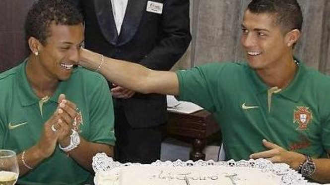 Luis Nani (kiri) & Cristiano Ronaldo