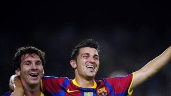 Messi dan David Villa rayakan gol
