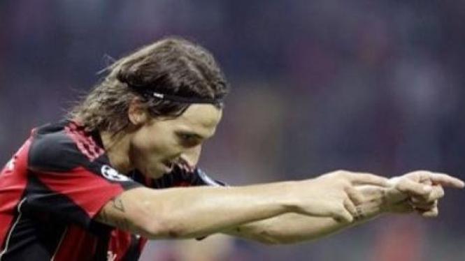 Zlatan Ibrahimovic rayakan gol