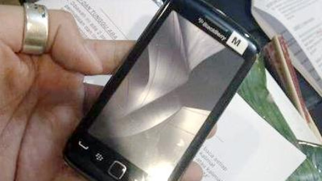 Foto BlackBerry Storm 3 beredar di Internet