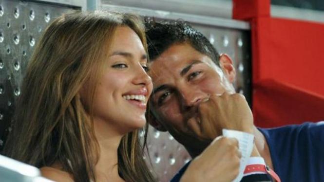 Cristiano Ronaldo dan kekasihnya Irina Shayk