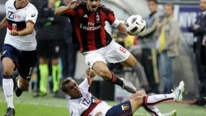 Gennaro Gattuso (merah-hitam)