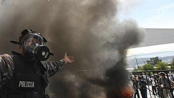 Polisi di Quito, Ekuador, berdemonstrasi