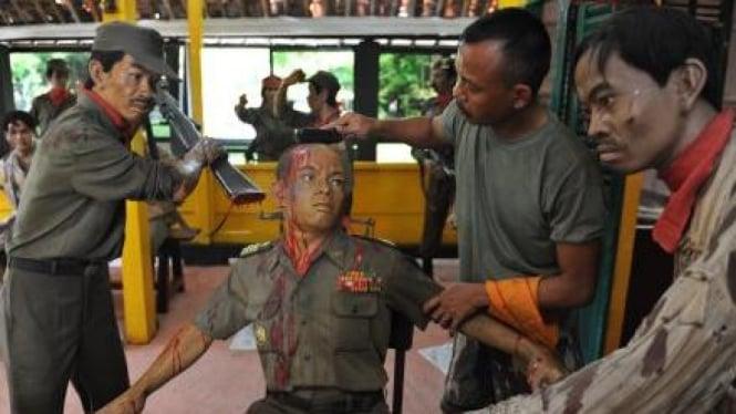 Diorama penyiksaan Mayjen S Parman di Lubang Buaya dibersihkan