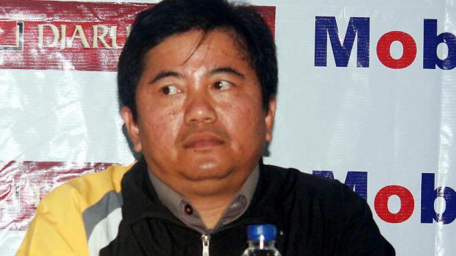 Asdian, Manajer Semen Padang