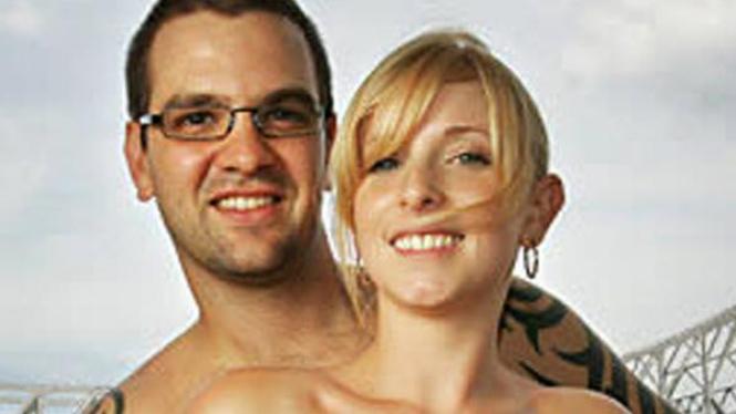 Ellie Barton dan Phil Hendricott