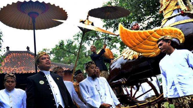 Sultan Kasepuhan XIV Sultan Arief Natadiningrat