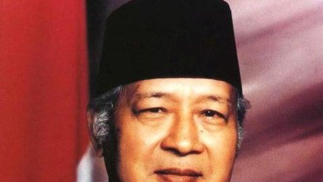 Presiden Soeharto (alm.)