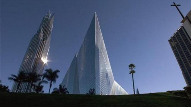 Kompleks gereja Crystal Cathedral di Garden Grove, California, AS