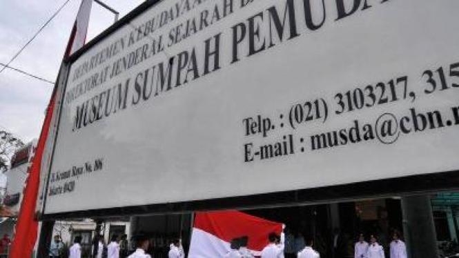 Upacara di Museum Sumpah Pemuda di Jalan Kramat Raya, Jakarta