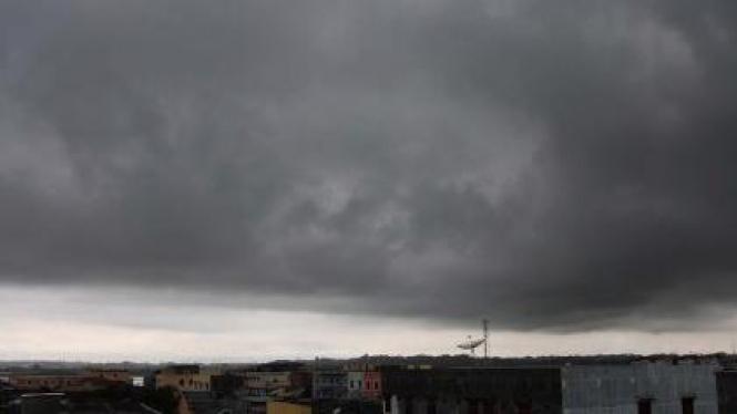 Cuaca buruk di atas Lhokseumawe, Aceh