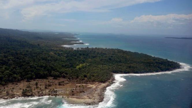 Foto udara Kepulauan Mentawai pasca-tsunami