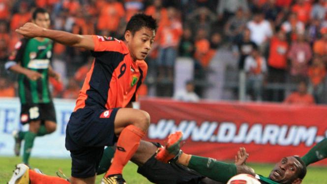 Striker Persibo Samsul Arif
