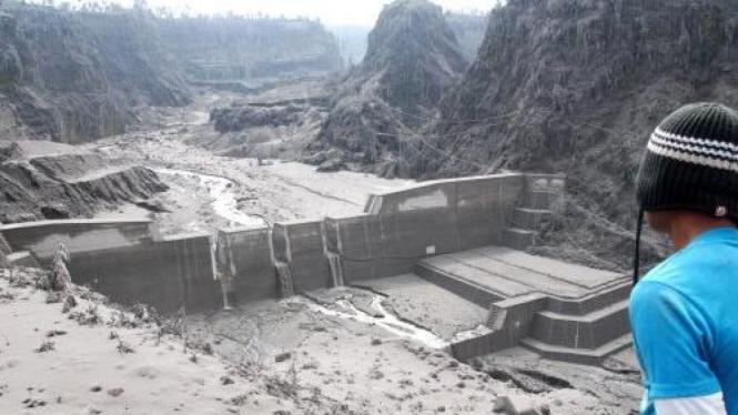 endapan lahar dingin di Dam Kali Apu Desa Klakah,Selo, Boyolali, Jawa Tengah