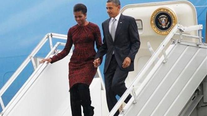 Presiden Obama dan First Lady Michelle Obama mendarat di Jakarta