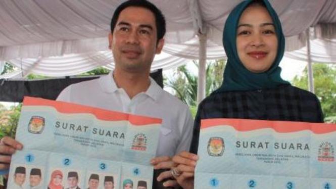 Airin Rachmi Diany dan suami memilih di Pilkada Tangerang Selatan