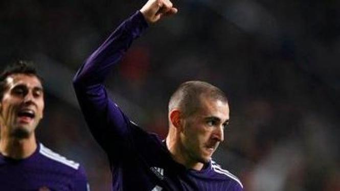 Karim Benzema usai mencetak gol ke gawang Ajax
