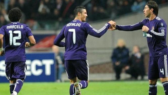 Cristiano Ronaldo merayakan golnya ke gawang Ajax