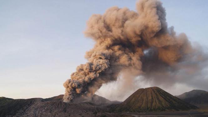 Aktivitas Gunung Bromo meningkat