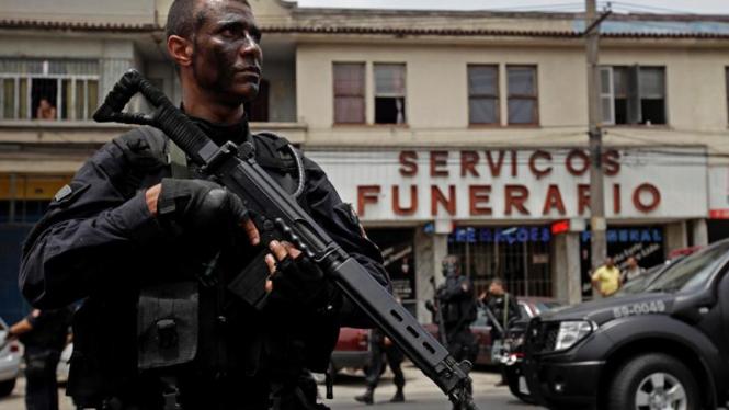 Perang polisi vs geng narkoba di Rio de Janeiro