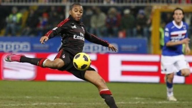 Robinho mencetak gol ke gawang Sampdoria