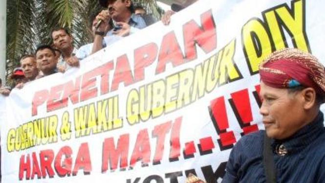 Warga Yogya demonstrasi dukung Gubernur ditetapkan