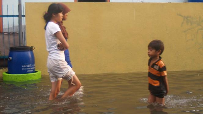 Surabaya terendam banjir