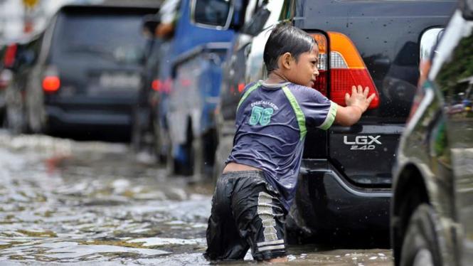 Banjir rob di jalan Gunung Sahari, Jakarta