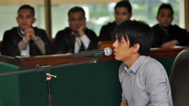 Ariel menjalani sidang ketiganya di PN Bandung