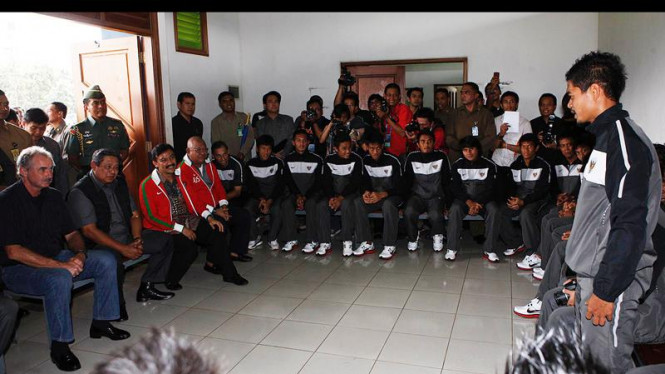 Presiden SBY mengunjungi timnas Indonesia