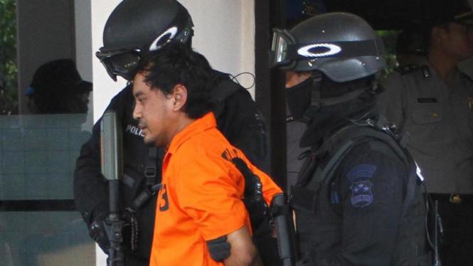 Densus 88 mengawal tersangka teroris, Sri Puji Mulyo Siswanto