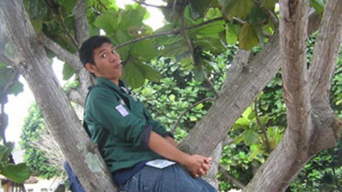 Nangkring di Pohon_peserta lomba FotoLoL