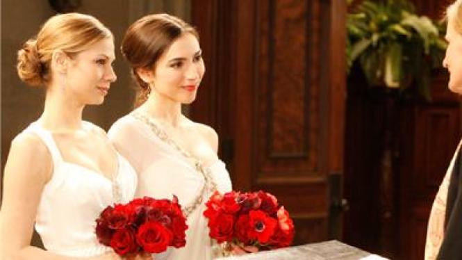 Pernikahan pasangan lesbian
