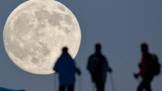 Gerhana bulan di Swiss