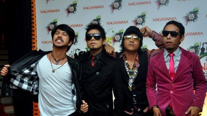 Group Band The Dance Company