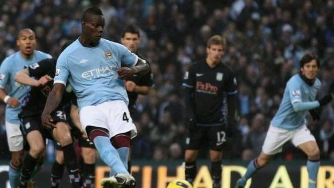 Mario Balotelli Jebol Gawang Aston Villa