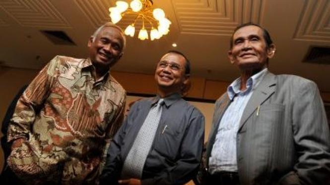 Busyro Muqoddas diapit dua eks Ketua KPK Taufiequrachman Ruki & Tumpak