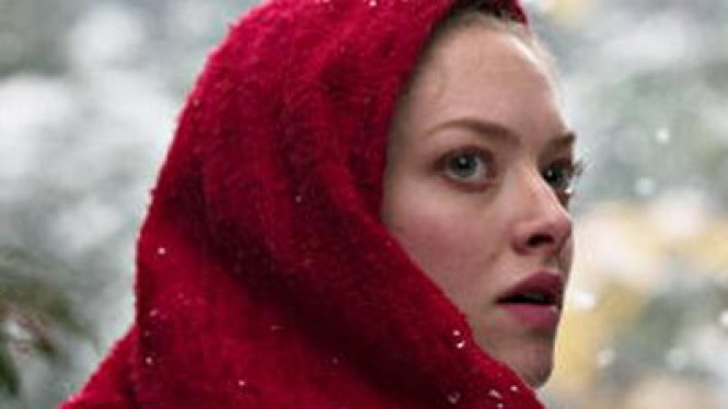Amanda Seyfried di film The Riding Hood