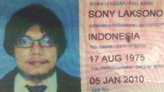 Paspor palsu Gayus atas nama Sony Laksono