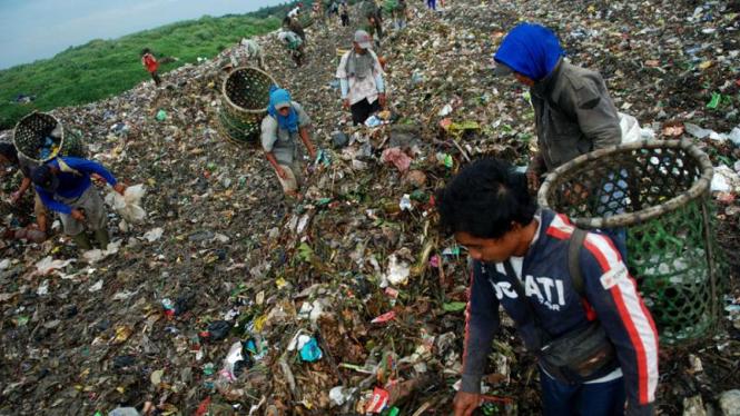 Sampah di Bantar Gebang
