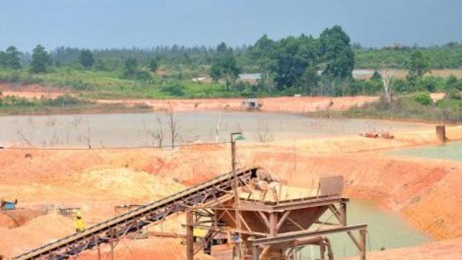 Tambang bauksit PT Antam Resorces Investindo di Tanjungpinang, Kepulauan Riau