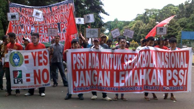 Demo pendukung PSSI