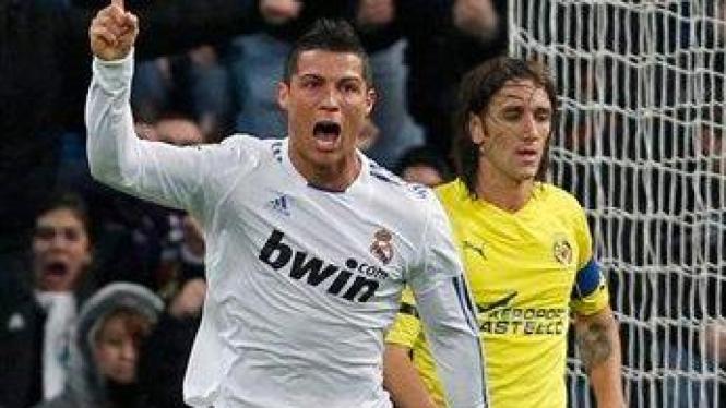 Ronaldo merayakan gol ke gawang Villarreal