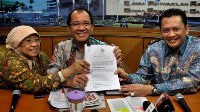 Lily Wahid (PKB), Akbar Faizal (Hanura), Bambang Soesatyo (Golkar)